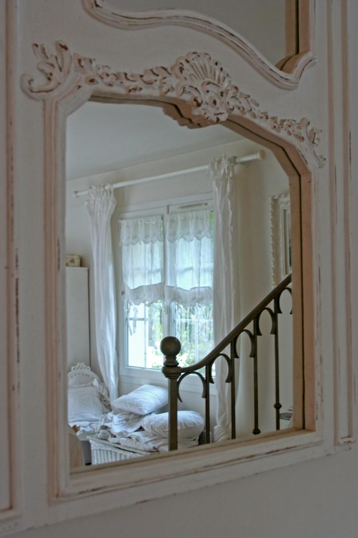 miroir shabby inspiration shabby. Black Bedroom Furniture Sets. Home Design Ideas