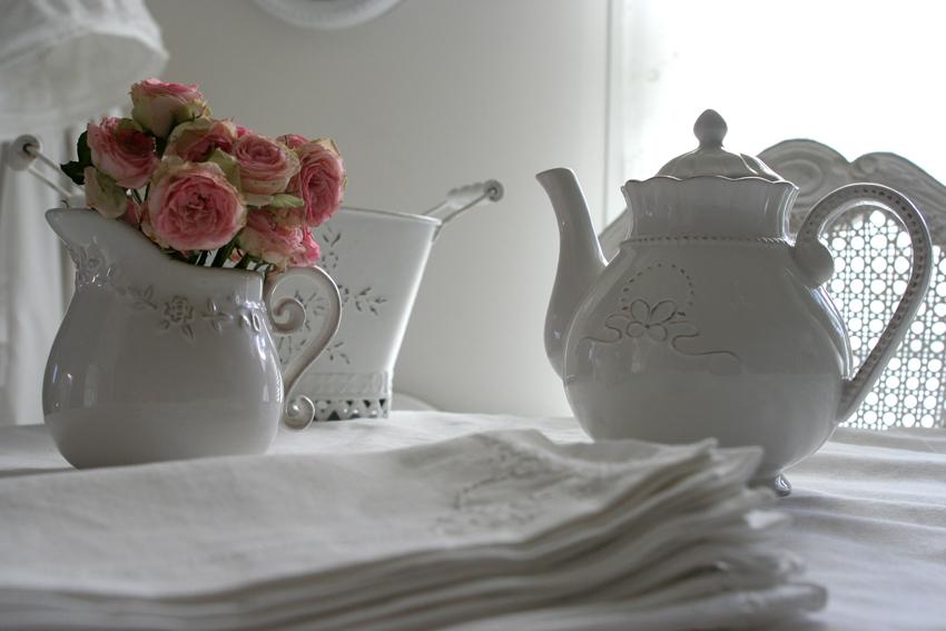 roses et tasses de thé, ou le charme de la vie à l'anglaise