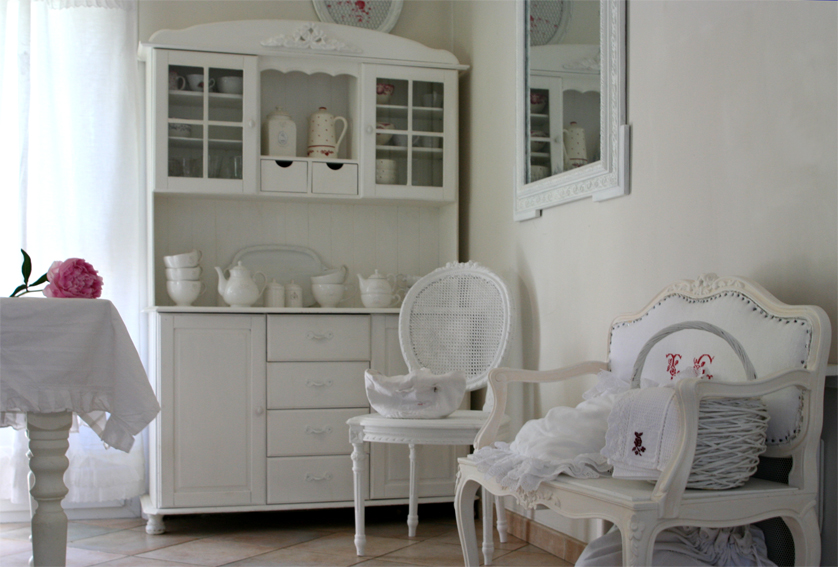 Brocante shabby inspiration shabby for Decoration salle de bain romantique