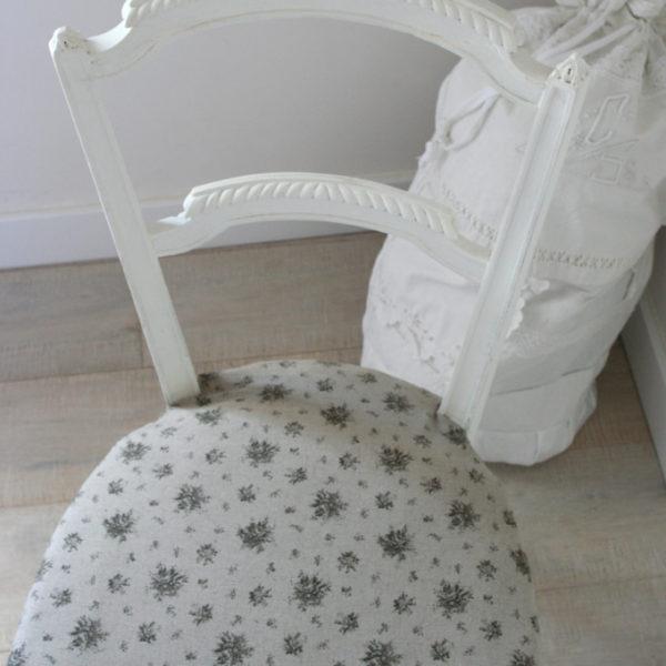 semis de fleurs. Black Bedroom Furniture Sets. Home Design Ideas